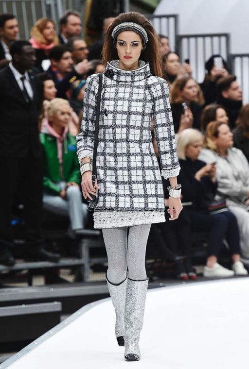 Chanel cowl